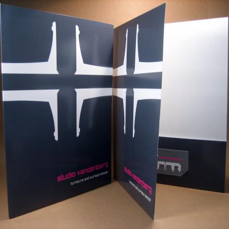 custom pocket folders - small quantity pocket folders